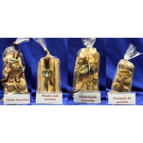 Lote de Flautas de chocolate, carquinyolis, lunas de praliné y tronquitos de chocolate - Pastelería Can Salvat